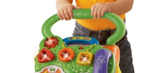 'VTech Sit-to-Stand Learning Walker' from the web at 'http://mytop10bestsellers.com/wp-content/uploads/2016/01/walk-toy-2-520x245.jpg'